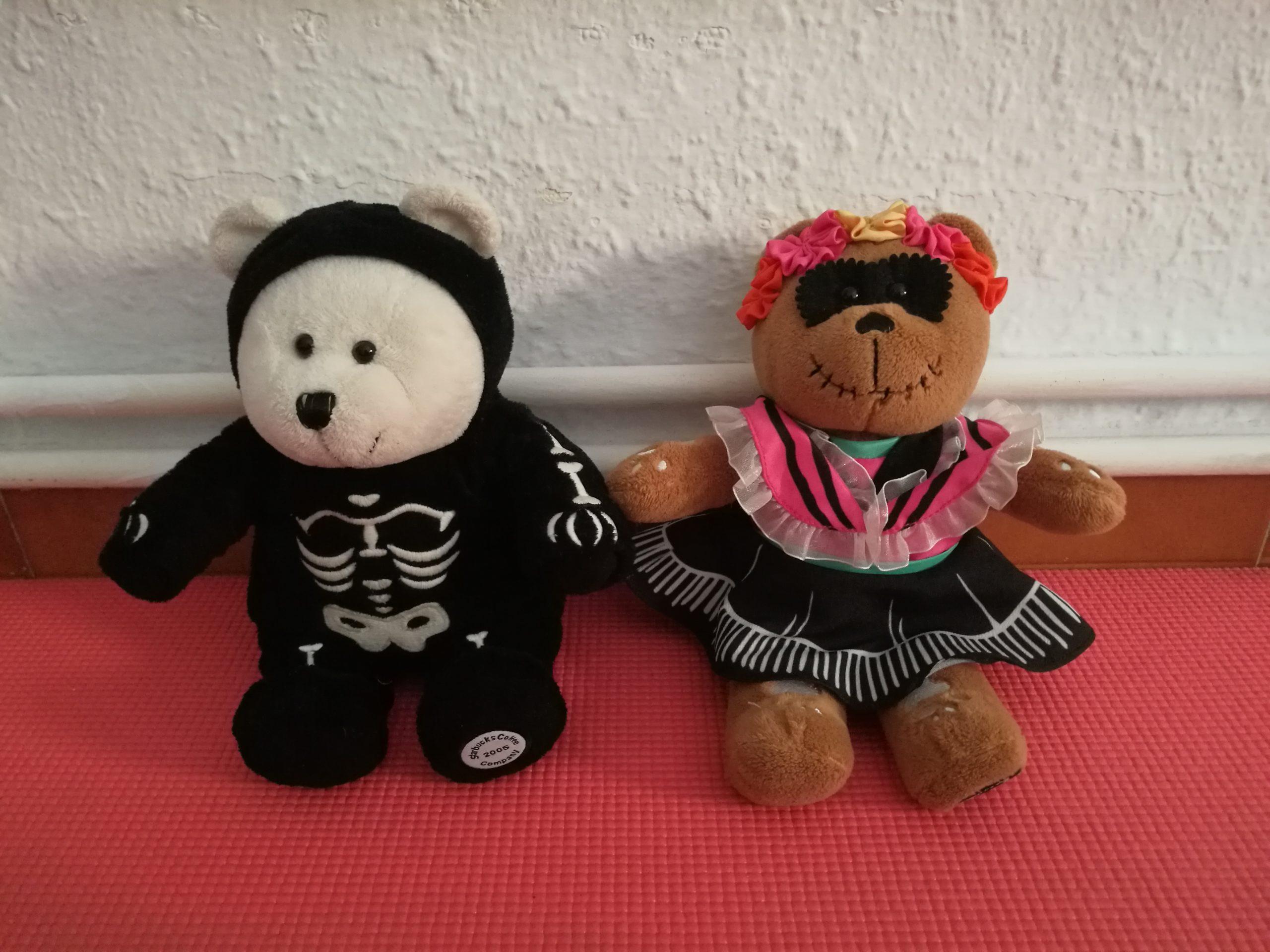 Bearistas, la historia de los adorables osos de peluche de Starbucks – Laura Tejerina